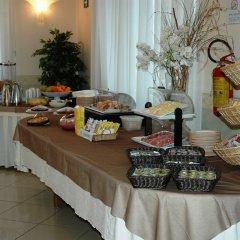 Отель Promessi Sposi Италия, Мальграте - отзывы, цены и фото номеров - забронировать отель Promessi Sposi онлайн помещение для мероприятий фото 2