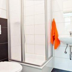 Отель Sleepcheaphostel Германия, Берлин - отзывы, цены и фото номеров - забронировать отель Sleepcheaphostel онлайн ванная