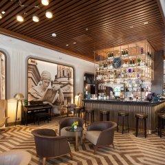 Отель TITANIC Chaussee Berlin гостиничный бар