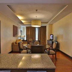 Crown Regency Hotel and Towers Cebu комната для гостей фото 2
