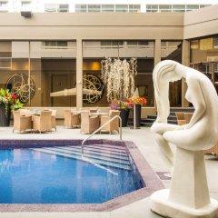 Отель Arts Канада, Калгари - отзывы, цены и фото номеров - забронировать отель Arts онлайн бассейн