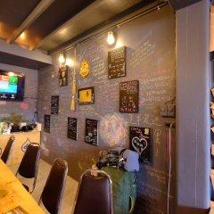 Bandai Hostel Бангкок гостиничный бар