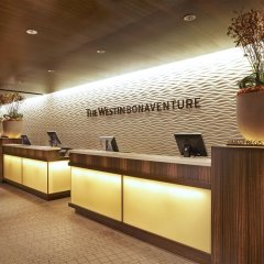 The Westin Bonaventure Hotel & Suites интерьер отеля