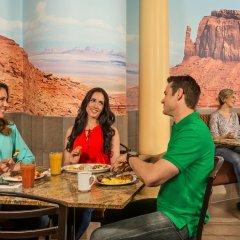 Отель Arizona Charlie's Boulder - Casino Hotel, Suites, & RV Park США, Лас-Вегас - отзывы, цены и фото номеров - забронировать отель Arizona Charlie's Boulder - Casino Hotel, Suites, & RV Park онлайн питание фото 2