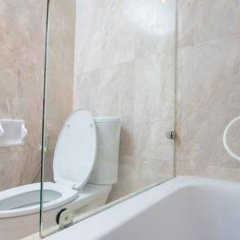 Отель Thomson Hotels & Residences at Ramkhamhaeng Таиланд, Бангкок - отзывы, цены и фото номеров - забронировать отель Thomson Hotels & Residences at Ramkhamhaeng онлайн ванная фото 2