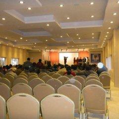 Отель Hilltake Wellness Resort and Spa Непал, Бхактапур - отзывы, цены и фото номеров - забронировать отель Hilltake Wellness Resort and Spa онлайн помещение для мероприятий