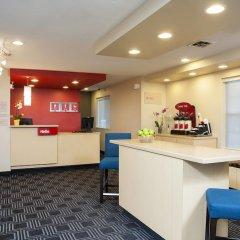 Отель TownePlace Suites by Marriott Indianapolis - Keystone интерьер отеля фото 2