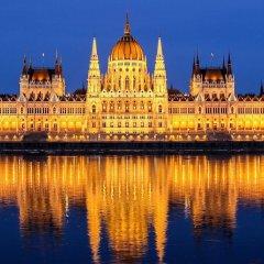 Отель Kempinski Hotel Corvinus Budapest Венгрия, Будапешт - 6 отзывов об отеле, цены и фото номеров - забронировать отель Kempinski Hotel Corvinus Budapest онлайн приотельная территория фото 2