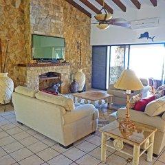 Отель Villa Gold Dome 6 Bedrooms 7 Bathrooms Villa Педрегал комната для гостей