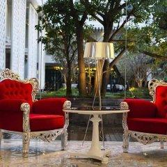 Отель Hua Chang Heritage Бангкок бассейн фото 3