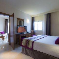Отель Grand Palladium Palace Ibiza Resort & Spa Испания, Сант Джордин де Сес Салинес - 1 отзыв об отеле, цены и фото номеров - забронировать отель Grand Palladium Palace Ibiza Resort & Spa онлайн комната для гостей фото 2