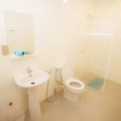 Отель Vplace Silom Бангкок ванная