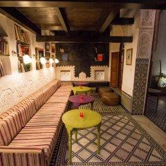 Отель Riad Les Oudayas Марокко, Фес - отзывы, цены и фото номеров - забронировать отель Riad Les Oudayas онлайн питание