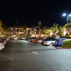 Hotel Le Reve Pasadena парковка