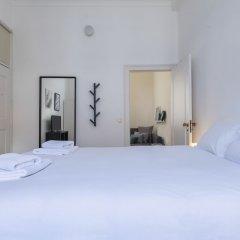 Апартаменты Sunny & Quiet Lisbon Apartment Лиссабон комната для гостей фото 2