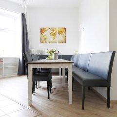Апартаменты RockChair Apartment Blissestraße Берлин комната для гостей фото 5