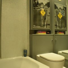Отель 1 Bedroom Hampstead Flat Лондон ванная