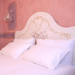 Отель Agriturismo Fondo San Benedetto Мазера-ди-Падова сейф в номере