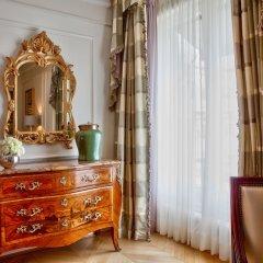 Отель Four Seasons George V Париж удобства в номере