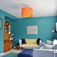 Отель Spacious 3 Bedroom House in Didsbury Manchester Великобритания, Манчестер - отзывы, цены и фото номеров - забронировать отель Spacious 3 Bedroom House in Didsbury Manchester онлайн комната для гостей фото 4