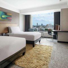 Отель DoubleTree by Hilton Bangkok Ploenchit Бангкок комната для гостей фото 9
