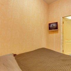 Апартаменты Apartments on Bolshaya Konushennaya сейф в номере