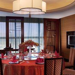Отель Four Points by Sheraton Shenzhen Китай, Шэньчжэнь - отзывы, цены и фото номеров - забронировать отель Four Points by Sheraton Shenzhen онлайн питание фото 3
