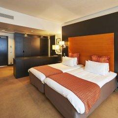 Отель Crowne Plaza Helsinki сейф в номере