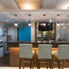 Отель Alejandra Hotel Филиппины, Макати - отзывы, цены и фото номеров - забронировать отель Alejandra Hotel онлайн бассейн