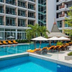 J Inspired Hotel Pattaya бассейн