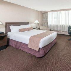 Отель Ramada Plaza by Wyndham Calgary Downtown Канада, Калгари - отзывы, цены и фото номеров - забронировать отель Ramada Plaza by Wyndham Calgary Downtown онлайн комната для гостей фото 5