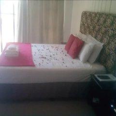 Отель Gie's Guesthouse Габороне комната для гостей