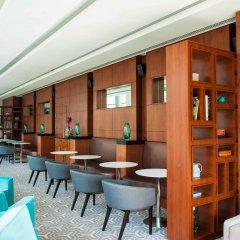 Hilton Warsaw Hotel & Convention Centre гостиничный бар