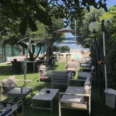 Hotel Aristeo Римини приотельная территория