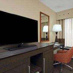Отель Hampton Inn Columbus-International Airport США, Колумбус - отзывы, цены и фото номеров - забронировать отель Hampton Inn Columbus-International Airport онлайн удобства в номере фото 2