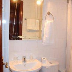 Отель Hostal Casanova ванная фото 2