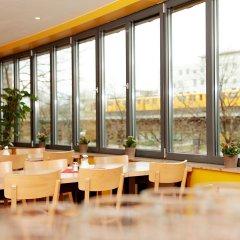 Отель acama Hotel & Hostel Kreuzberg Германия, Берлин - 1 отзыв об отеле, цены и фото номеров - забронировать отель acama Hotel & Hostel Kreuzberg онлайн питание фото 2