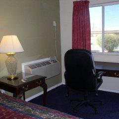 Отель American Executive Inn удобства в номере