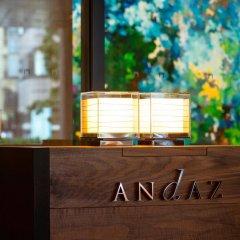 Отель Andaz Tokyo Toranomon Hills - a concept by Hyatt Япония, Токио - 1 отзыв об отеле, цены и фото номеров - забронировать отель Andaz Tokyo Toranomon Hills - a concept by Hyatt онлайн интерьер отеля фото 3