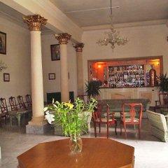 Imperial Hotel Слима гостиничный бар