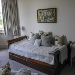 Отель Saffrons Apartment Великобритания, Истборн - отзывы, цены и фото номеров - забронировать отель Saffrons Apartment онлайн комната для гостей фото 4