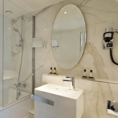 Отель Longchamp Elysées ванная