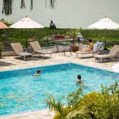 Отель Waterfront by KGH Group Непал, Покхара - отзывы, цены и фото номеров - забронировать отель Waterfront by KGH Group онлайн бассейн фото 2