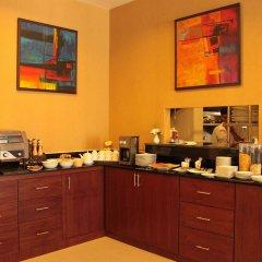 Отель Patong Hemingways питание