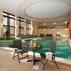 Отель Chateau Monty Spa Resort Чехия, Марианске-Лазне - отзывы, цены и фото номеров - забронировать отель Chateau Monty Spa Resort онлайн бассейн фото 2
