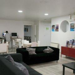 Отель Alberguinn Барселона развлечения
