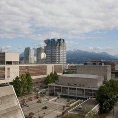 Отель Sandman Hotel Vancouver City Centre Канада, Ванкувер - отзывы, цены и фото номеров - забронировать отель Sandman Hotel Vancouver City Centre онлайн балкон