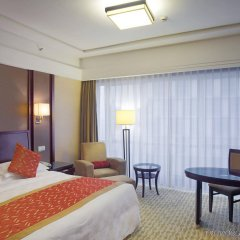 Отель Crowne Plaza City Center Ningbo комната для гостей