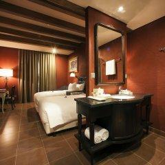Отель Mercure Danang French Village Bana Hills Вьетнам, Дананг - отзывы, цены и фото номеров - забронировать отель Mercure Danang French Village Bana Hills онлайн сейф в номере