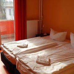 Happy Go Lucky Hotel + Hostel Берлин комната для гостей фото 5